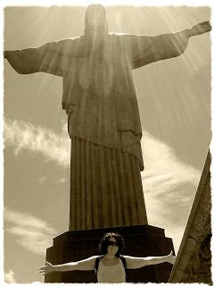 Christ the Redeemer facts: On a whirl wind one day visit to Rio there was one thing I HAD to do, visit Christo Redentor – or Christ the Redeemer. Here's a few things you may not know about this magnificent statue
