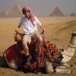 camel-pyramid-photo
