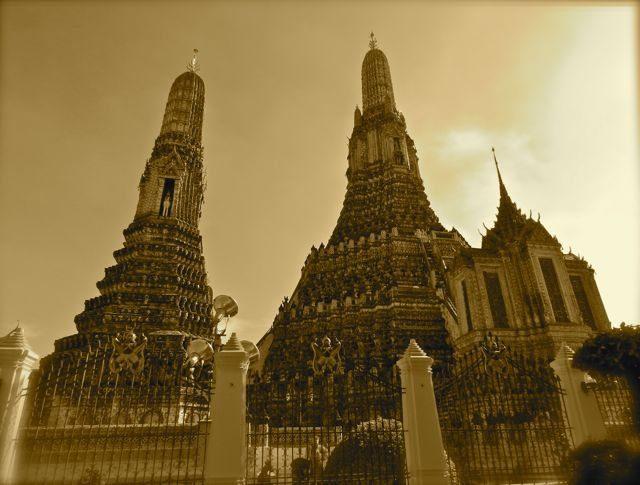 wat-arun-temples-bangkok
