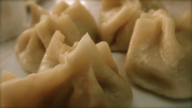 mongolian food: Buuz - Mongolian Dumplings