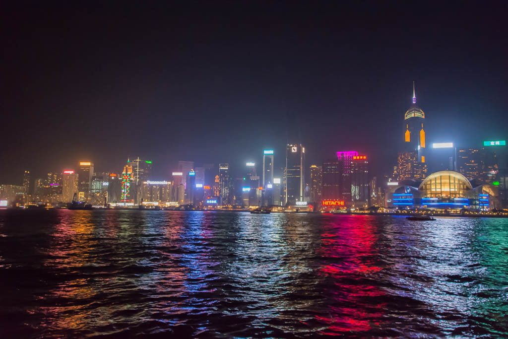 Fun things to do in Hong Kong - Hong Kong Harbour Cruise - Hong Kong Junk Boat