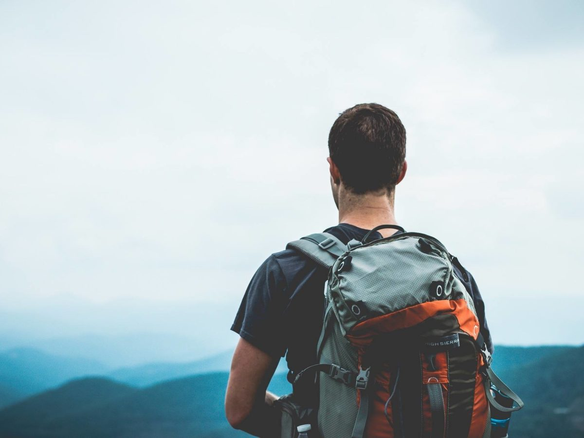 What backpack do you need to go travel