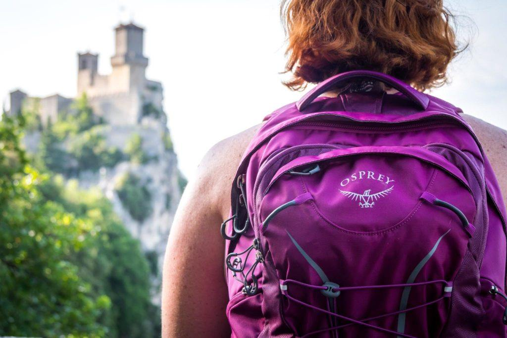 gifts for female travelers - Osprey fairview