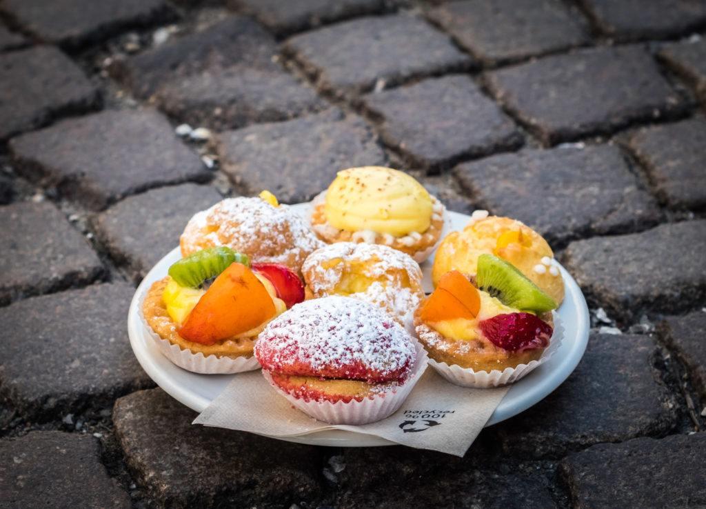 Bologna Food - What to eat in Bologna - Pesca all'alchermes - Zabaglione puff