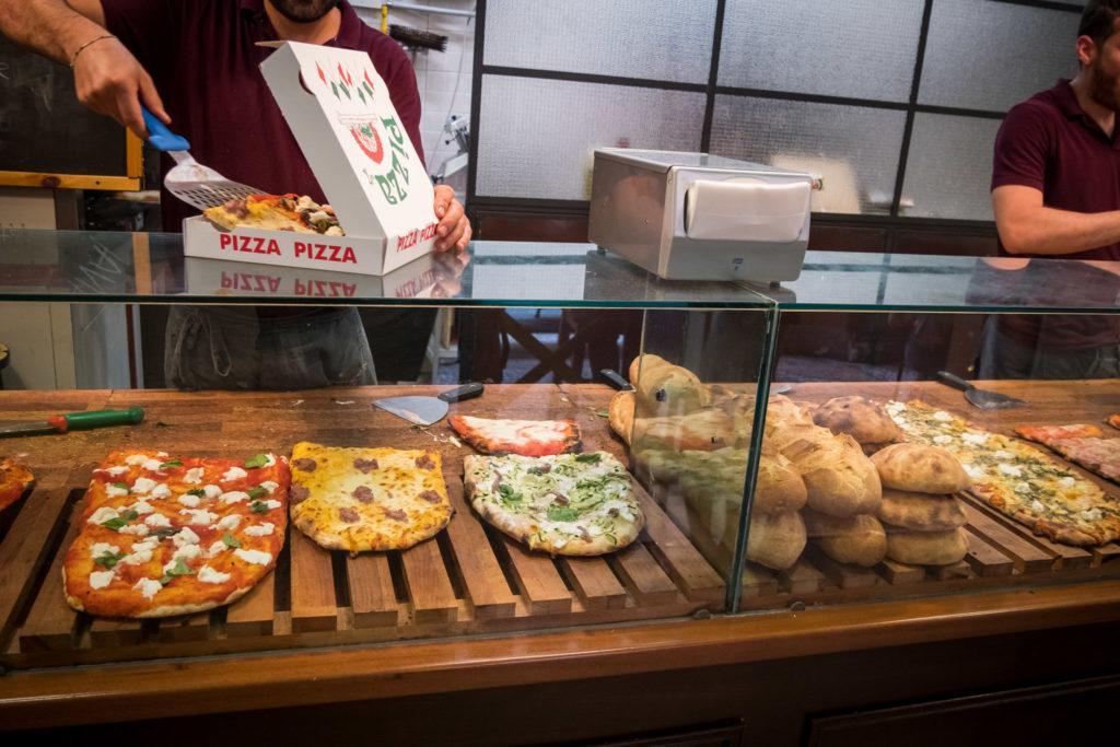 Bologna Food - What to eat in Bologna - PizzArtist cut and served by the kilo