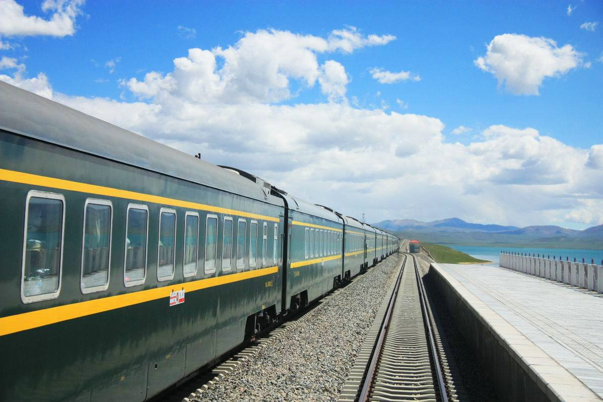 How To Dine on the Tibet Train Journey