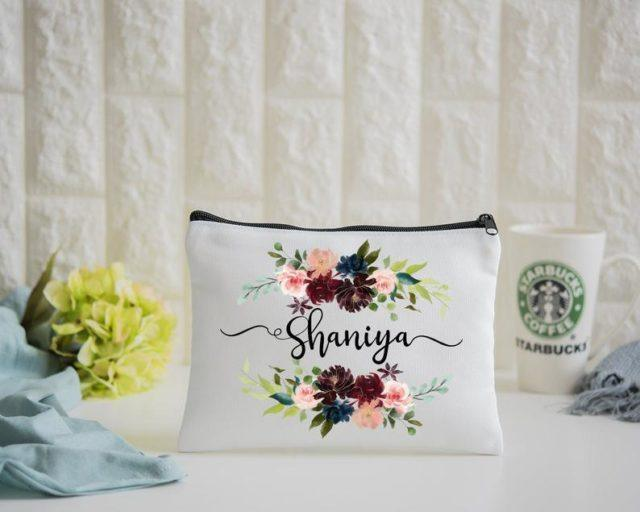 gifts for female travelers - travel gifts for her